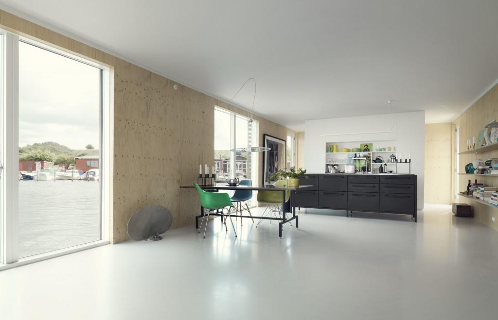 cph_houseboat_living_kitchen-2048x1318