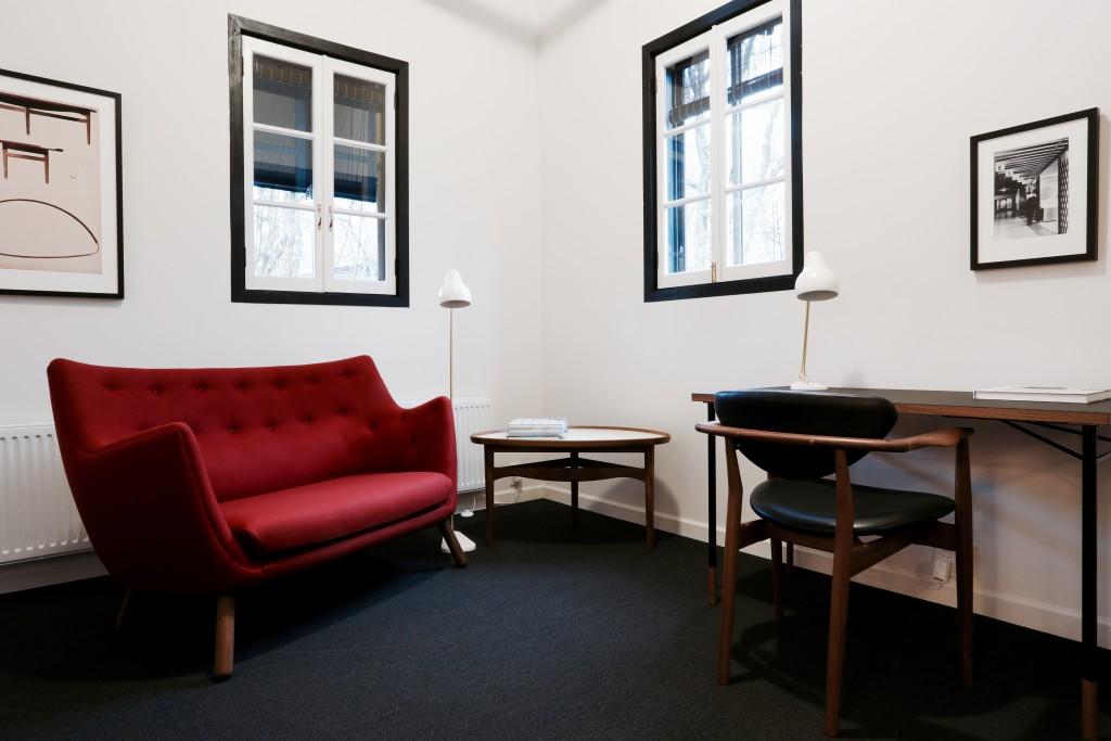 poet-sofa-nyhavn-table-109-chair-hotel-house-of-finn-juhl-hakuba-japan-8